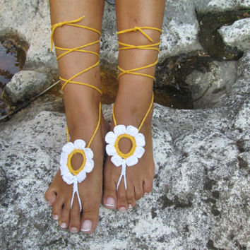 Daisy Barefoot Sandal, poppy Anklet, bridesmaid jewelry, foot jewelry, Wedding, choose your color. Anklet, Beach Pool jewelry, Wedding Party