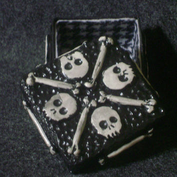 Skull box - polymer clay ossuary - trinket box
