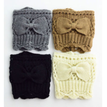 Cream Bow Boot Cuffs