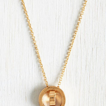 Minimal Well-Rounded Necklace by ModCloth