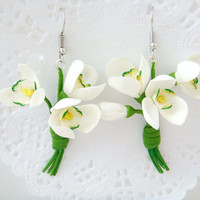 Flower earrings snowdrops. Polymer clay flower earrings (cold porcelain). Dangle earrings, Lucite earrings, Spring  earrings. Flower jewelry