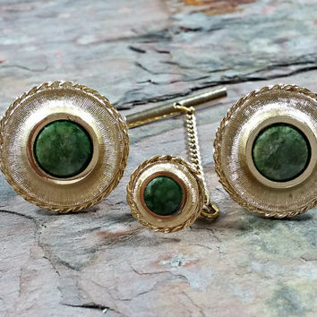Vintage Cufflinks Tie Tack Set Green Stone Round Gold Tone Metal Rope Style or Look Around Edges Great Looking Set of Mens Accessories