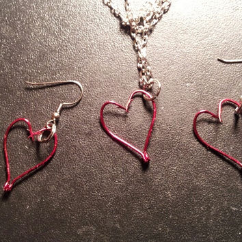 Red hook heart set tackle fishing hook jewelry set. comes with earrings & necklace