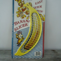 Vintage Kitchenette Banana Slicer Yellow Fun Sundaes Cereal Smoothly Salad Original Packing NEW Old Stock
