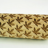 CANNABIS LEAF – Embossing wooden rolling pin