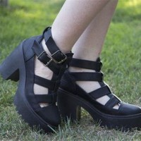 TOPSHOP BLACK ARCADE CUT OUT CHUNKY PLATFORM BOOTS UK3 EUR36 US5.5 BLOGGERS