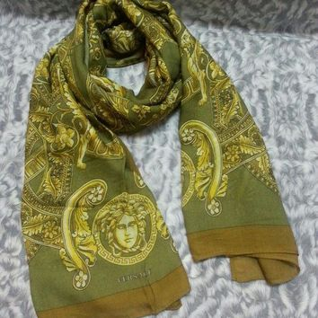 CREYRQ5 New VERSACE women scarf .Made in Italy. 90X200cm. Modal90%+Cashmere10%.