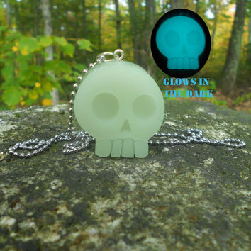 Kawaii Skull Necklace Glow in the Dark Creepy Cute Pastel Goth
