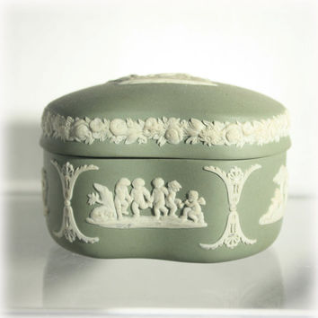 Wedgwood, Jewelry Casket, Trinket Box, Sage Green, Green Jasperware, Ceramic Box, Neoclassical Box, Hellenic
