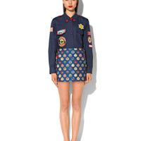 "FELT SKIRT WITH ""SCOUT BADGE"" PRINT AND RED LACQUERED BUTTONS"