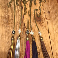 Long Tassel Necklace with Oval Jewel