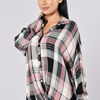 Out In The Woods Top - Black/Pink