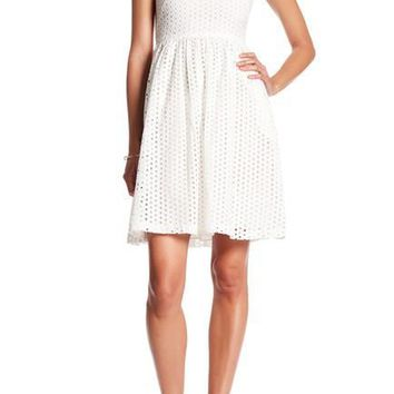 Donna Morgan - D4281M Cap Sleeve Fit and Flare Dress