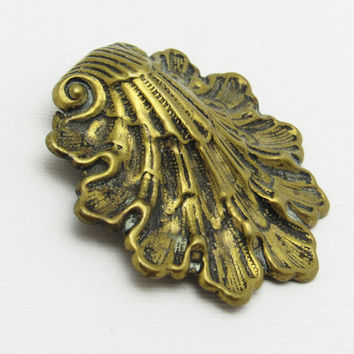 Vintage Dress Clip Brass Shell Jewelry P7262