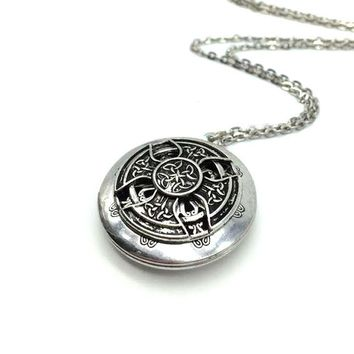 Exclusive Design Antique Silver Celtics Knots Cross Pendant Locket Aromatherapy Essential Oil Diffuser