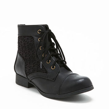 BLACK LACY BOOTIES