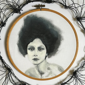 Hoop portrait -  girl with black hair - Big hair - hoop art - drawing face - black and white - Painting on fabric