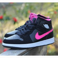 Nike Air Jordan Retro 1 High Tops Contrast Sports shoes Black rose hook G-CSXY