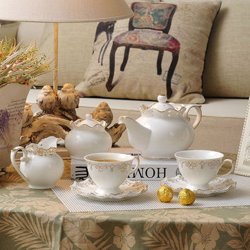2016 new coffee mug european tea set cup and saucer set coffee cup set white sets saucers protein shaker Elegant hollow ceramic