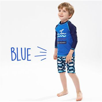 S-XXL Children Bathing Suits 2018 new Long sleeve Sunscreen Waves print Two Pieces courageous Boys Swimwear Baby Trunks Swimming