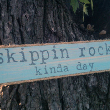 Beach House Sign  Lake House Decor Cabin Sign, Skippin Rocks Sea Glass Aqua Beach Sign,  Coastal Decor, Coastal Living, Beach Decor