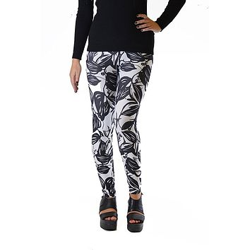 Black Leaf Silhouette Plus Size Leggings