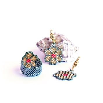 Lucky - Flower Clover, Peyote Earrings, Custom band ring, Handwoven Ring, Seed bead fashion jewelry for teens, girls