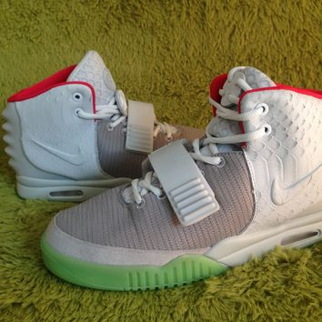 Nike Air Yeezy 2 Pure Platinum/Wolf Grey 508214-010 Basketball Sneaker