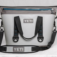 YETI® HOPPER Two 30