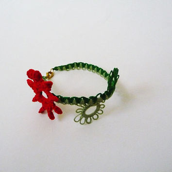 Handcrafted baby girl bracelet  - for Baby - red flower - gifts for baby - green bracelet - gift for her - vintage style - little princess