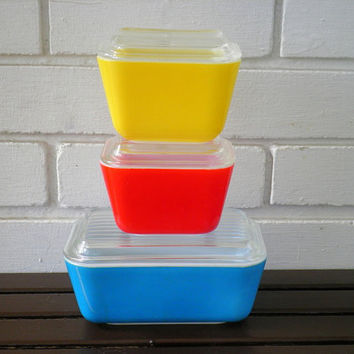 Vintage Primary Colors Rectangle Shape Pyrex Refrigerator Dishes with Glass Lids - Set of 3 - Circa 1960s
