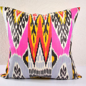 Ikat Pillow, Decorative Ikat Pillow Cover A101-18, Ikat throw pillows, Designer pillows, Decorative pillows, Accent pillows
