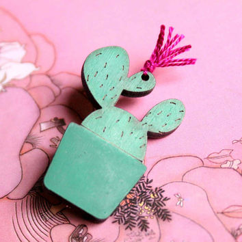 Cactus Brooch with Pink thread -  Cactus Flower