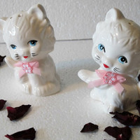 Vintage White Kitty Salt and Pepper Shakers fabric pink bows, kitchen, collectitors, animal salt and pepper shaker treasuresRtimeless