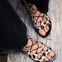 Urge Womens Spring It On Lace Up Sandal