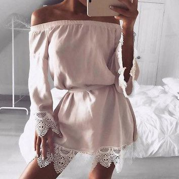 New Fashion Women Off Shoulder Blusas Baggy Sexy Hot Patch Work Lace Loose Shirt Chiffon Stitching Lace Tops Blouse