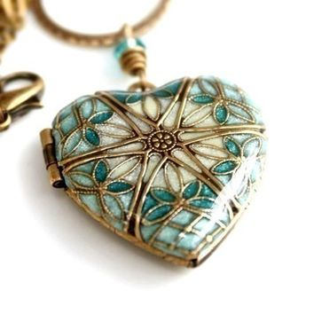 LOCKET,BLUE,Wedding Locket,Locket Necklace,Bridal Jewelry,Bridesmaid Jewelry,Something Blue Necklace