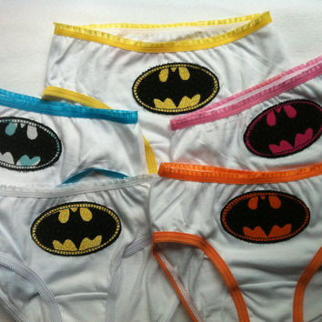 5 pairs of Superhero panties for girls sizes 2 to 14 X Men, Batman, Spiderman, Captain America, Ironman, Thor