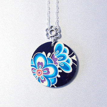 Navy blue floral washi pendant, Chiyogami, resin, Japan inspired jewelry, silver plated chain, round birch wood, flowers, blossoms