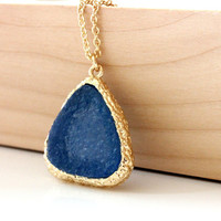 Druzy pendant navy blue on gold chain