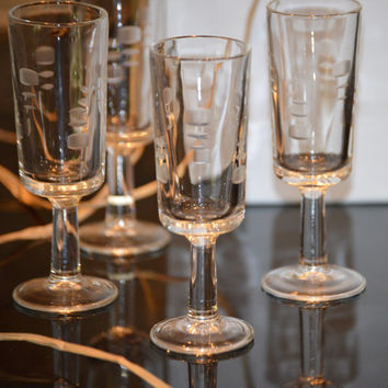 Modern Etched Crystal Cordial Glasses (4) Gift Boxed,  Elegant, A Very Modern Look, Great Gift!