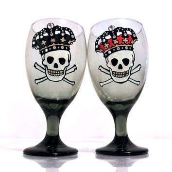 Hand Painted Glasses - Skull and Crown - His Queen - Her King - Halloween Glasses - Gift Set - Custom - Personalized - Set of 2