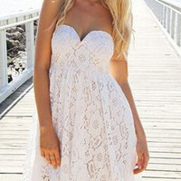 Strapless Sweetheart Backless Lace Dress