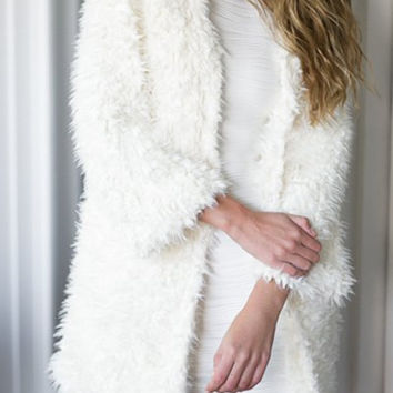 White Collarless Long Sleeve Faux Fur Coat