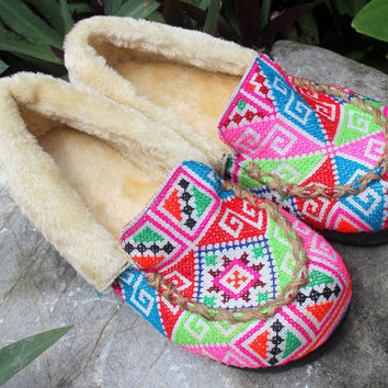 Moccasin Style Womens Slippers Ethnic Hmong Embroidery With Plush Lining Gift