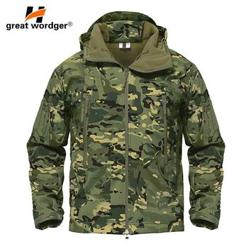 Outdoor Tactical Camouflage Men Jacket Coat Military Army Jacket Winter Waterproof Soft Shell Jacket Windbreaker Hunting Clothes