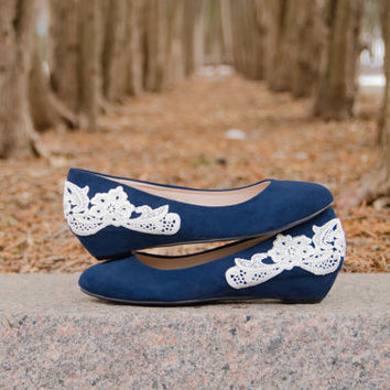 Wedding Shoes, Navy Blue Wedges, Wedding Heels, Bridal Shoes, Bridal Wedges, Low Wedding Shoes, Low Navy Wedges with Ivory Lace. US Size 5.5