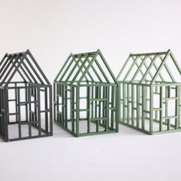 Set of 3 framework houses in different shades of green - jade, grass green and forest green