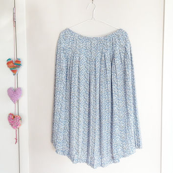 Vintage Blue Floral Boho Free Skirt~ Bohemian Style~ Country Chic~ Pleated Skirt- Ladies Vintage~ Gypsy Style~ Ladies Large~ Shabby Chic