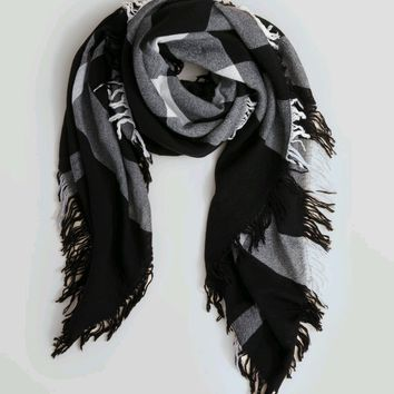 Burberry*** Square Merino Wool Scarf Black White Ivory Check 140*140 cm